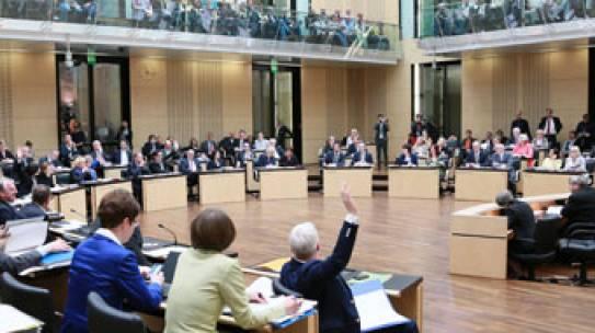 Bundesrat vertagt Entscheidung über Nutztierhaltungs- verordnung